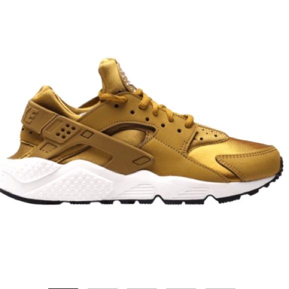 b98fb50be1be New Nike Women s Air Huarache Run Gold